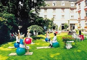 Kuren in Deutschland: Bewegungstherapie im Dr. Wüsthofen Gesundheits-Resort in Bad Salzschlirf