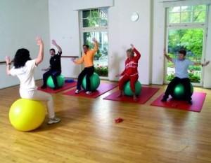 Kuren in Deutschland: Gymnastikraum des Dr. Wüsthofen Gesundheits-Resort in Bad Salzschlirf