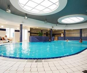 Kuren in Polen: Schwimmbad im Kurhotel Wolin in Misdroy Miedzyzdroje Ostsee