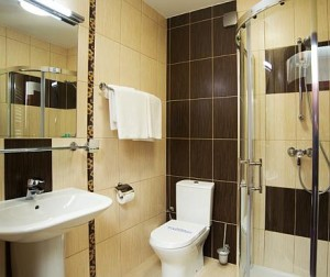 Kuren in Polen: Badausstattung im Kurhotel Wolin in Misdroy Miedzyzdroje